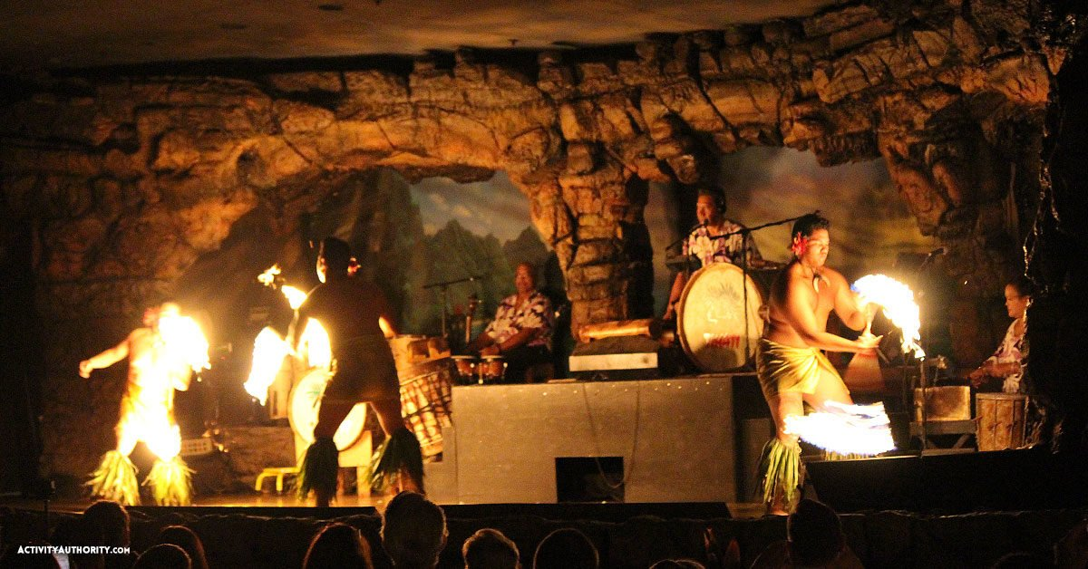 Hyatt fire dancing luau